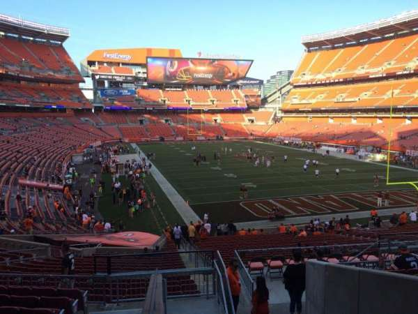 FirstEnergy Stadium, section: 144, row: 32, seat: 1