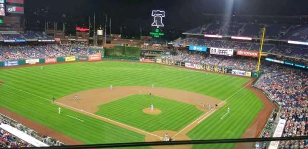 Citizens Bank Park, section: 322, row: 1, seat: 3
