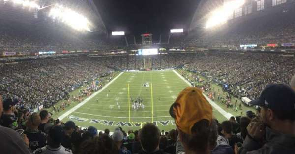 CenturyLink Field, section: 147, row: BB, seat: 28