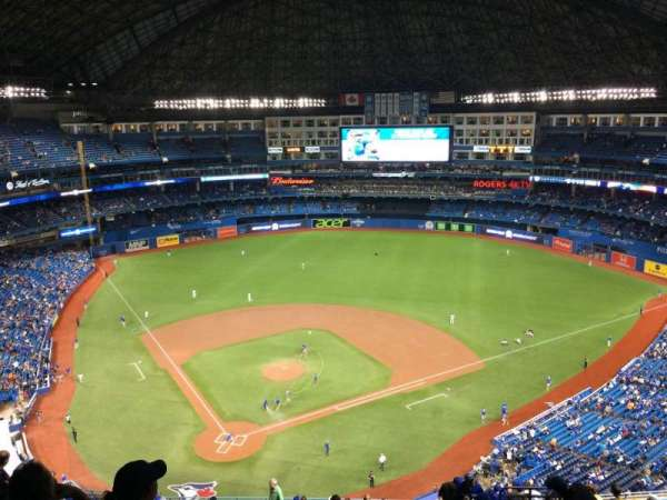 Rogers Centre, section: 521L, row: 21, seat: 109