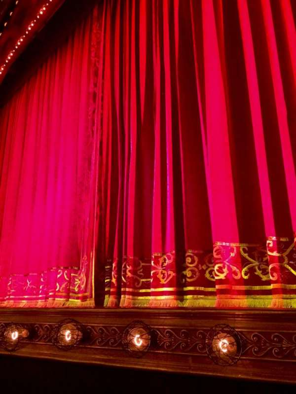 Shubert Theatre, section: Orchestra R, row: B, seat: 6