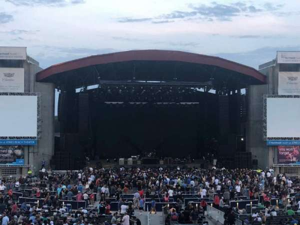 Jones Beach Theater, section: 10L, row: BB, seat: 9