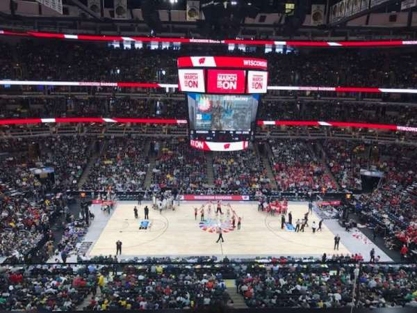 United Center, section: 318, row: 2, seat: 5