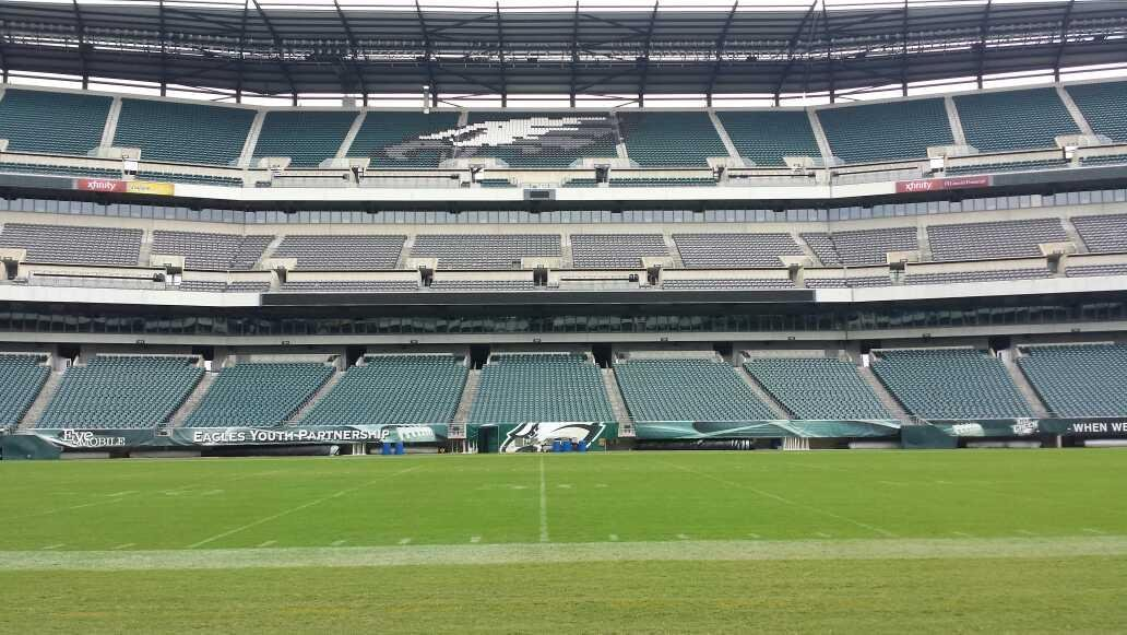 Lincoln Financial Field Section Sideline Row 50 yard li Seat Player Bench