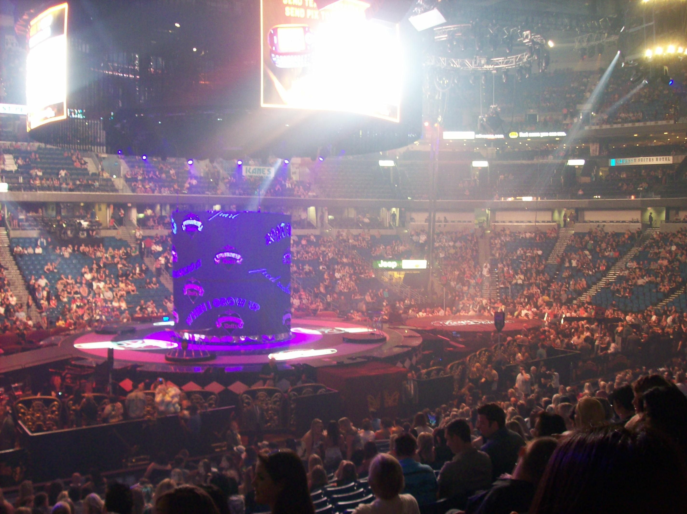 amalie arena section 102 row v seat 17 britney spears vs