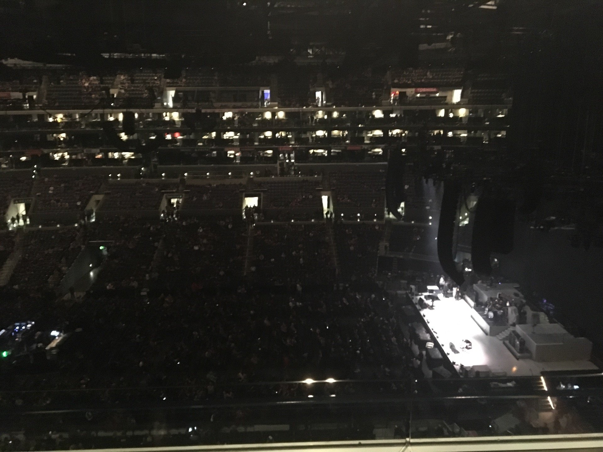 Staples Center Section 334 Row 2W Seat 9