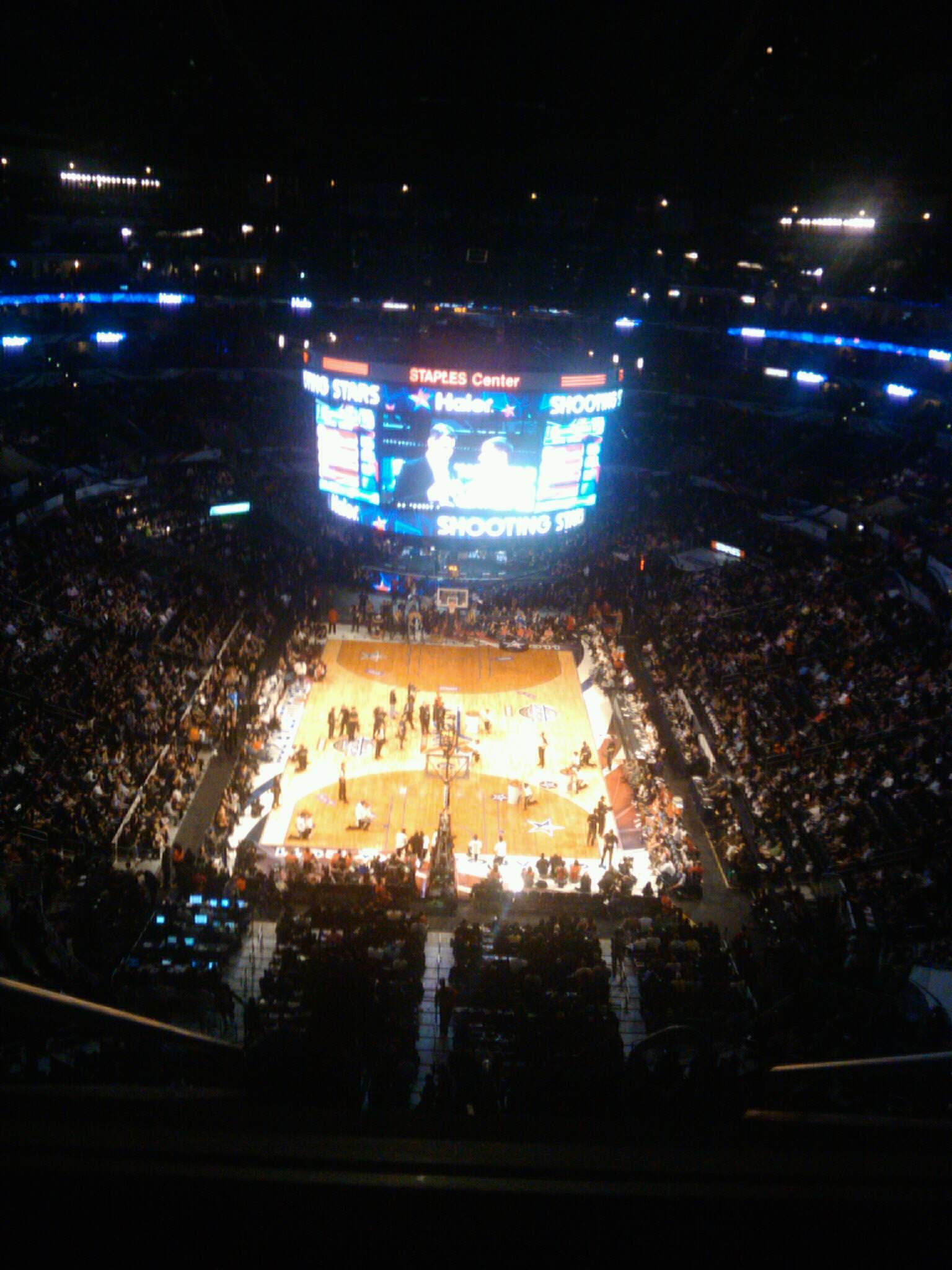 Staples Center Section 327 Row E Seat 9