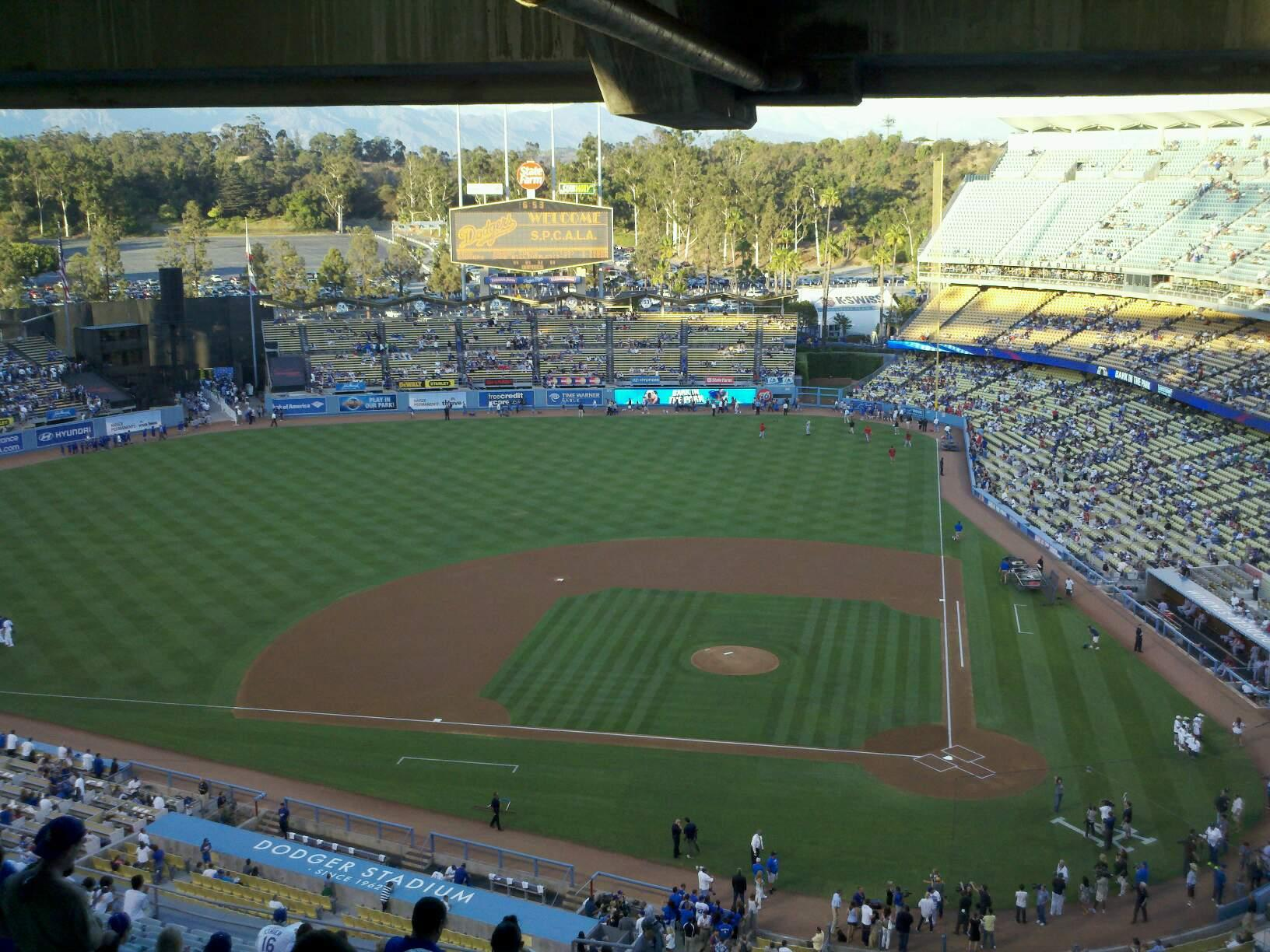 Dodger Stadium Section 23RS Row dd Seat 4