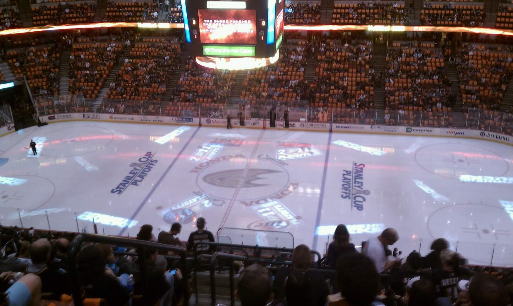 Honda Center Section 410 Row R Seat 14