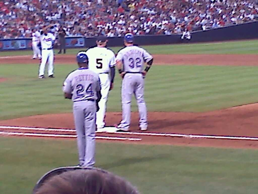 Turner Field Section 115R Row 8 Seat 6