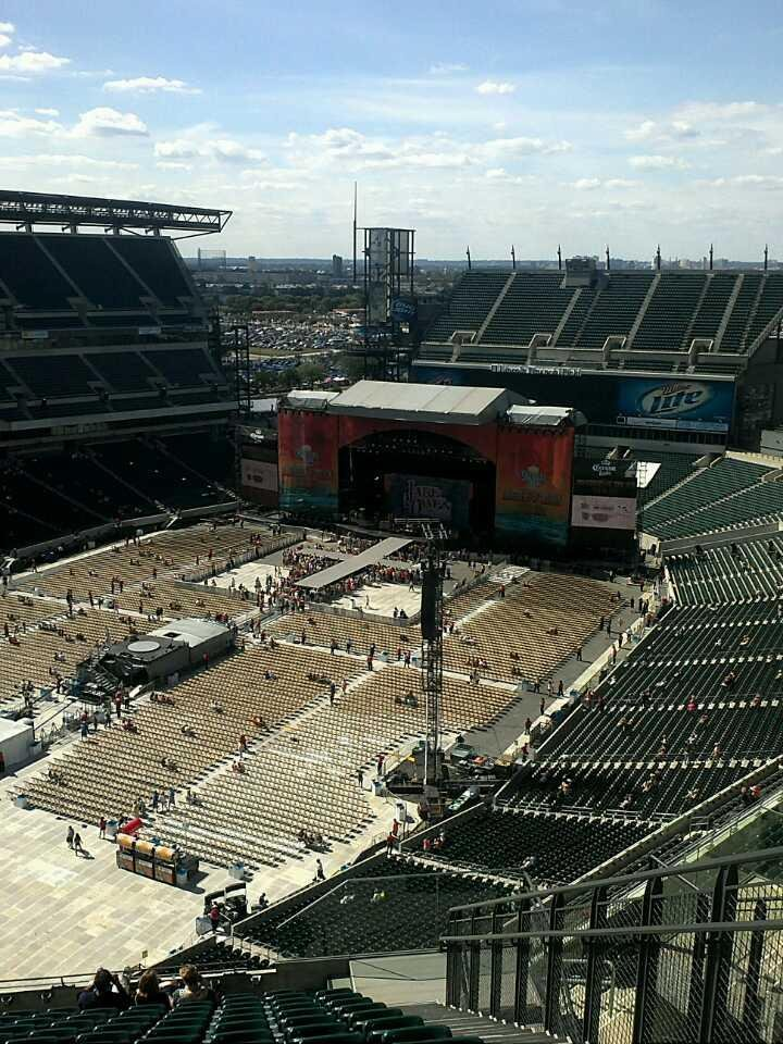 Lincoln Financial Field Section 218 Row 19 Seat 3 Kenny