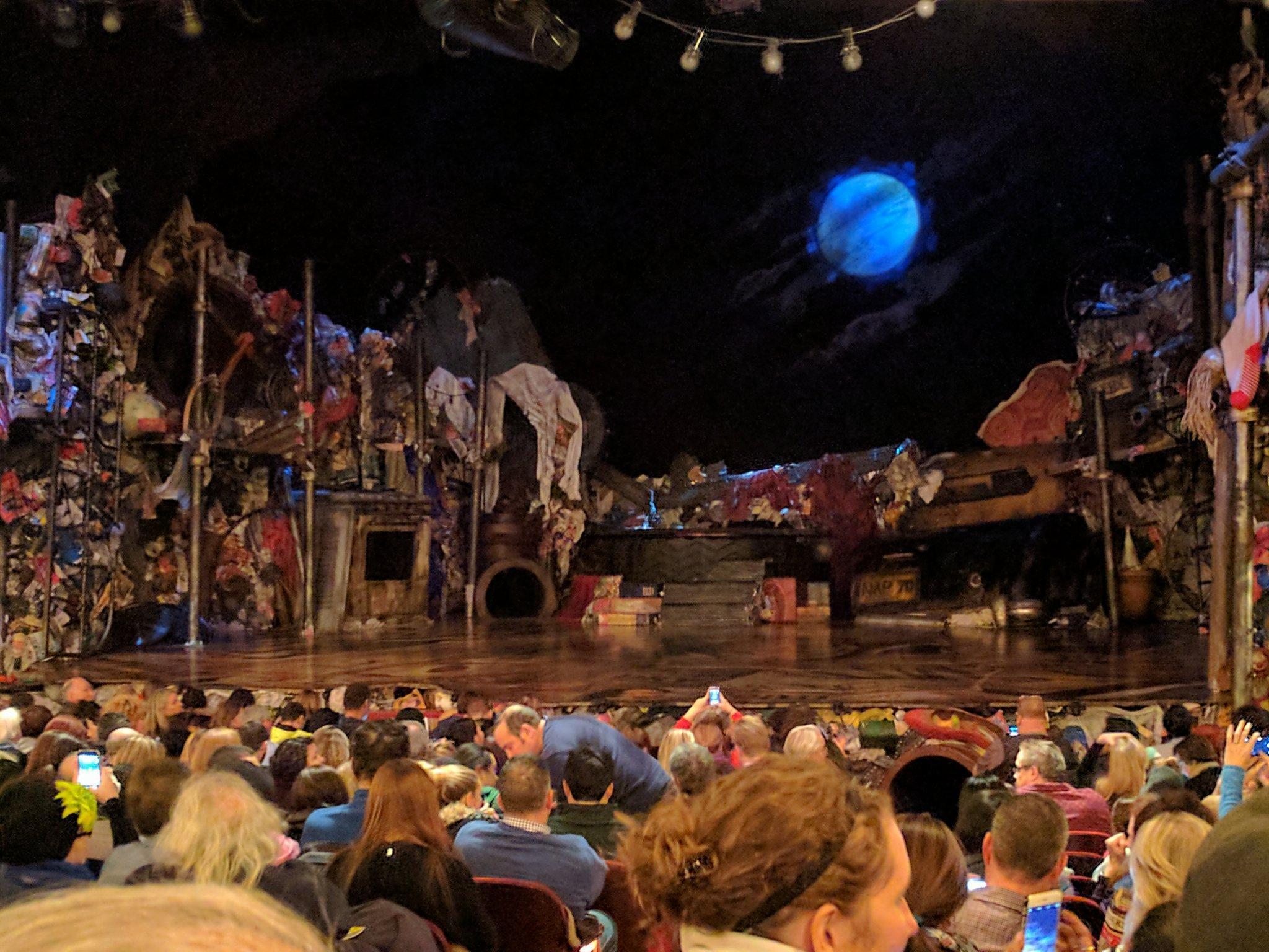 Neil Simon Theatre Section Orchestra Row R Seat 2
