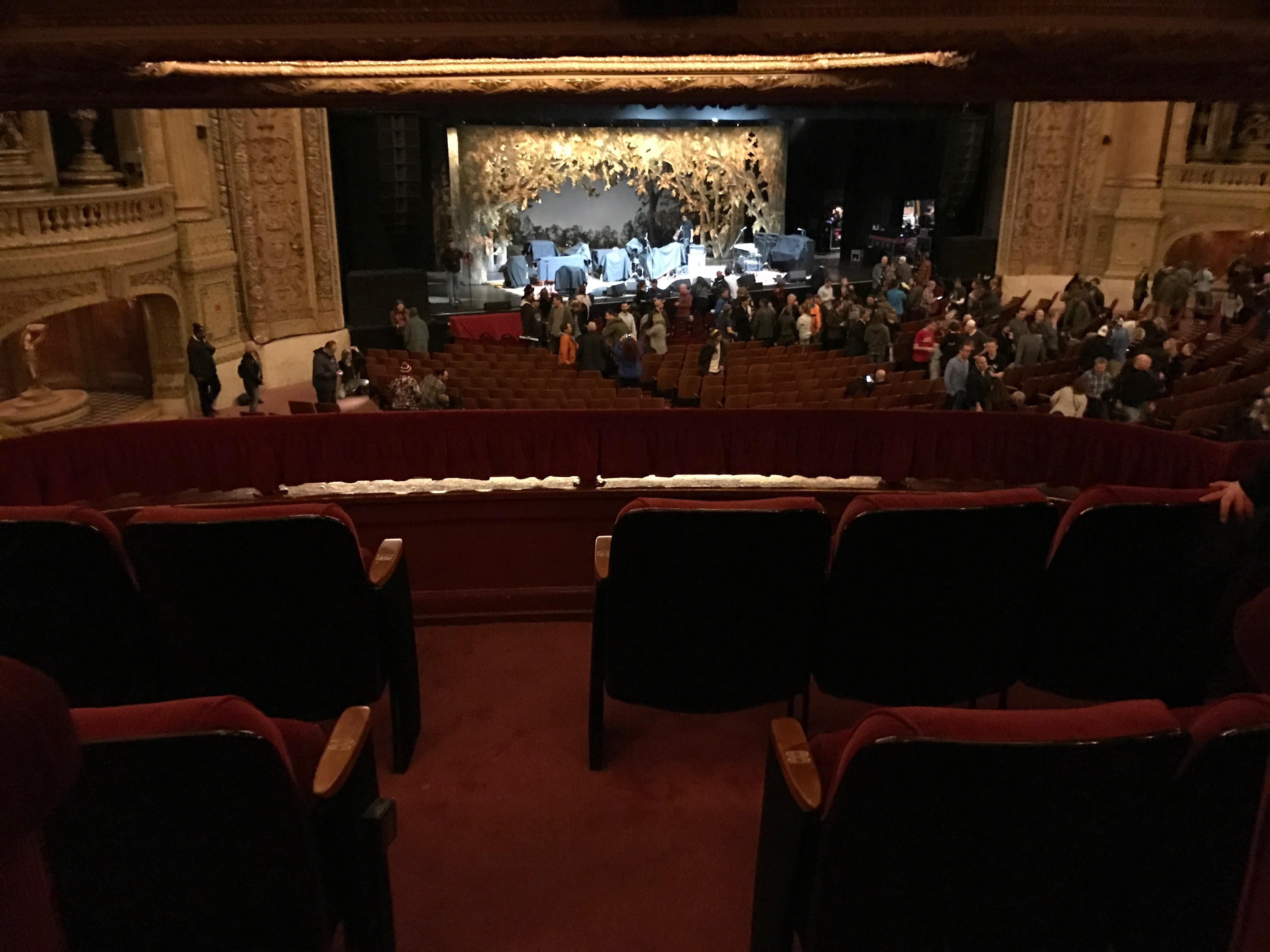 Chicago Theatre Section BOX Row S Seat 1
