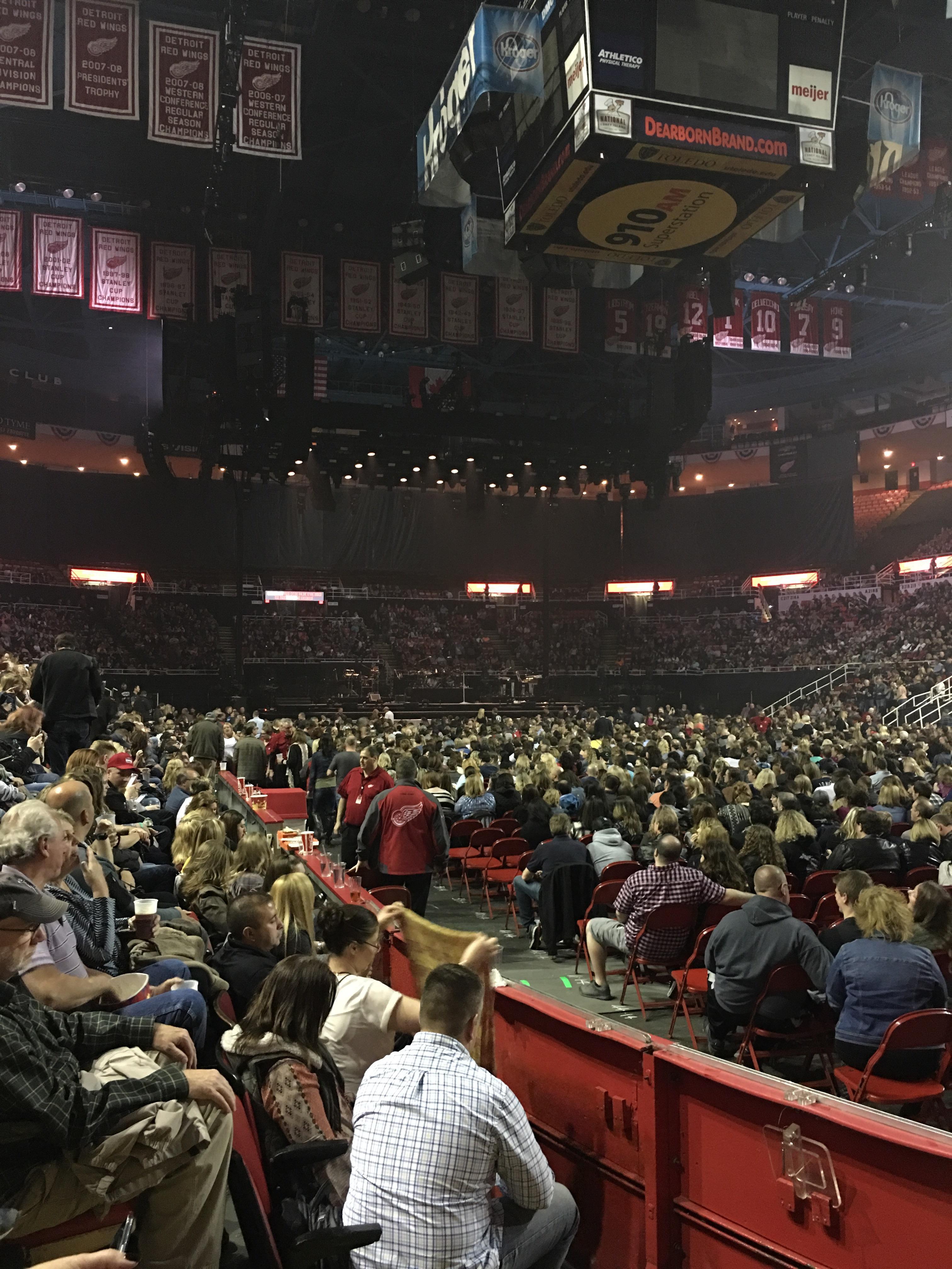 Joe Louis Arena Section 104 Row 3 Seat 3
