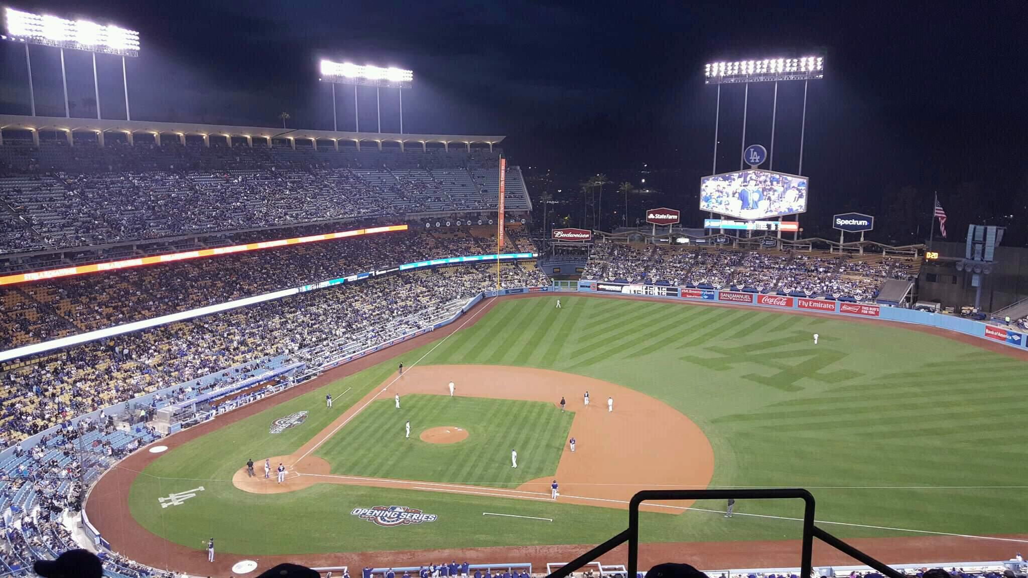 Dodger Stadium Section 14RS Row DD Seat 21