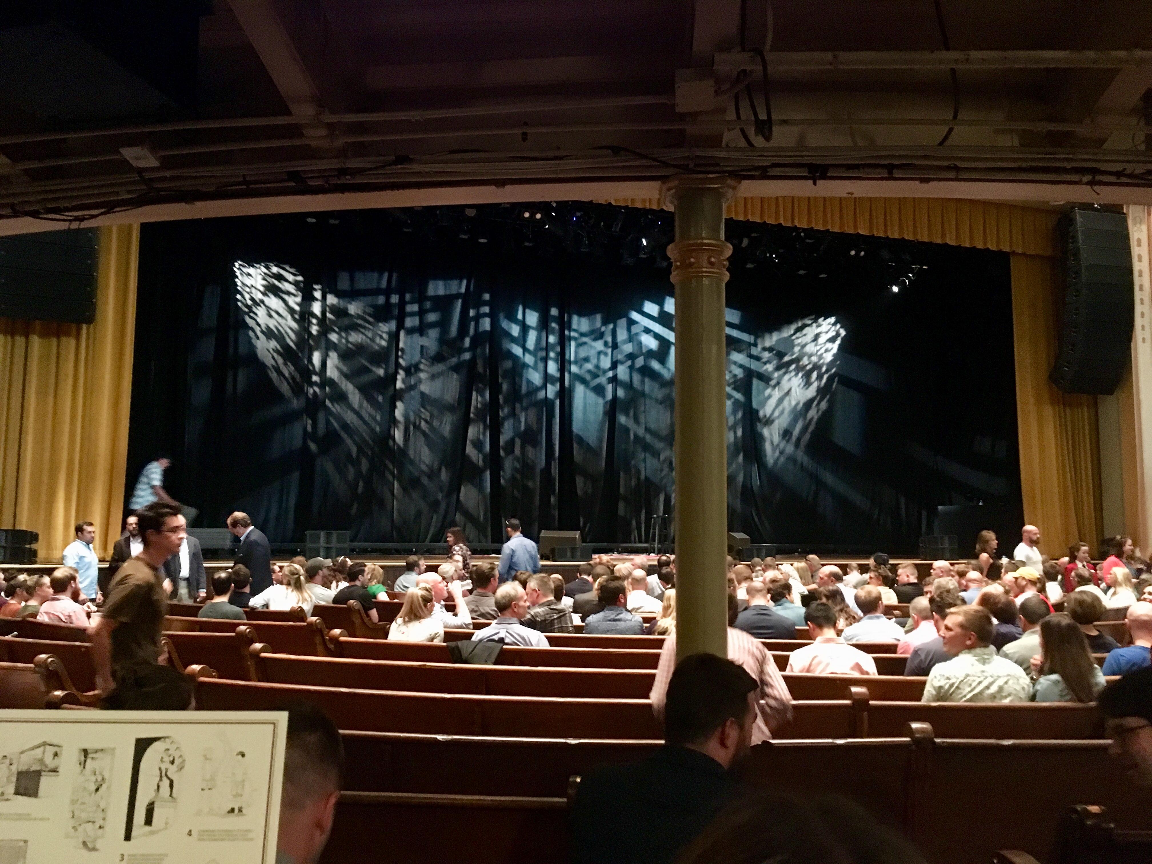 Ryman Auditorium Section MF-6 Row Q Seat 1