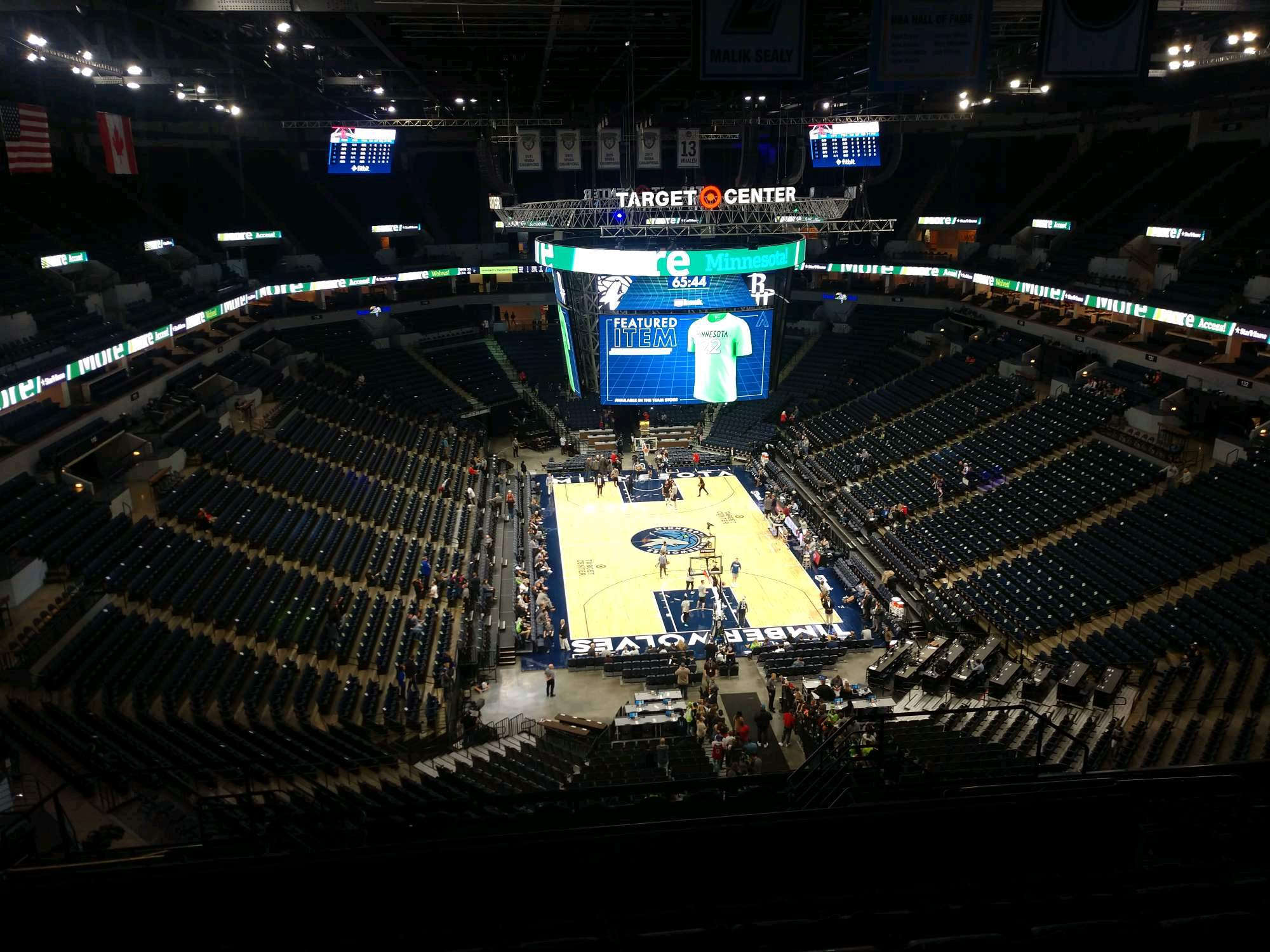 Target Center Section 202 Row Q Seat 8