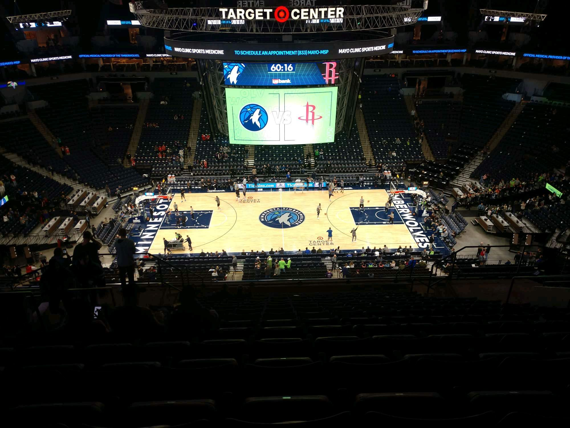Target Center Section 211 Row R Seat 9