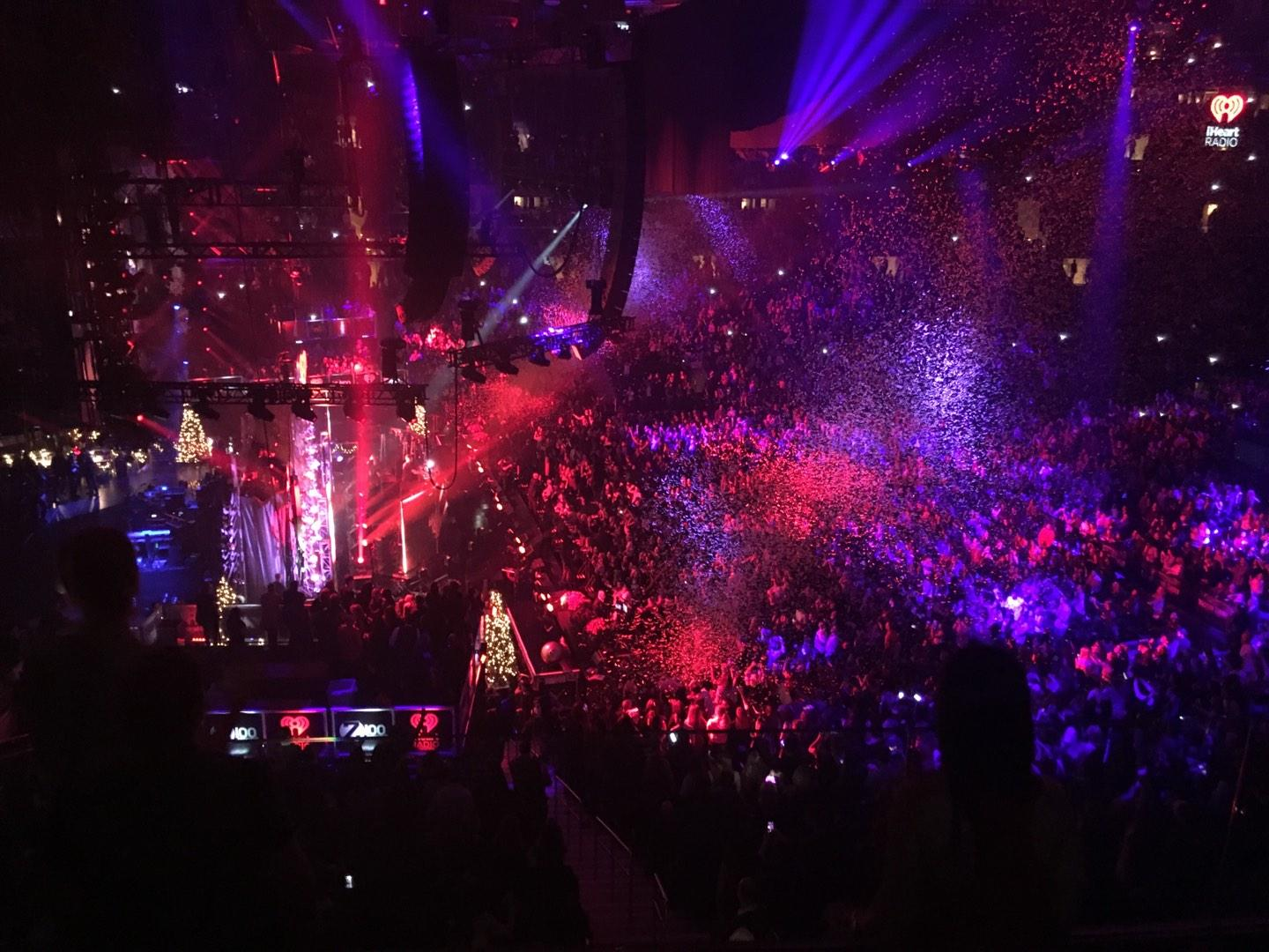 Madison square garden section 222 row 4 seat 13 vs jingle - Jingle ball madison square garden ...