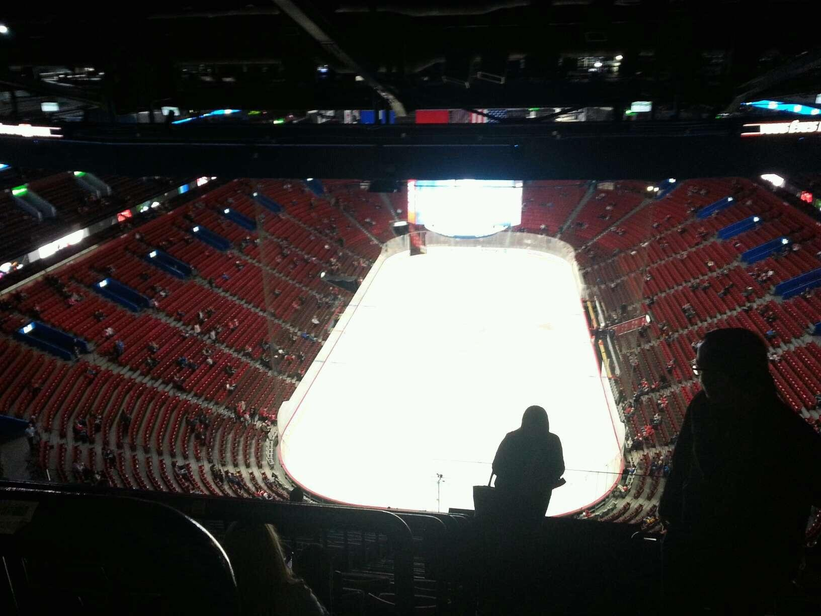 Centre Bell Section 410 Row d Seat 1