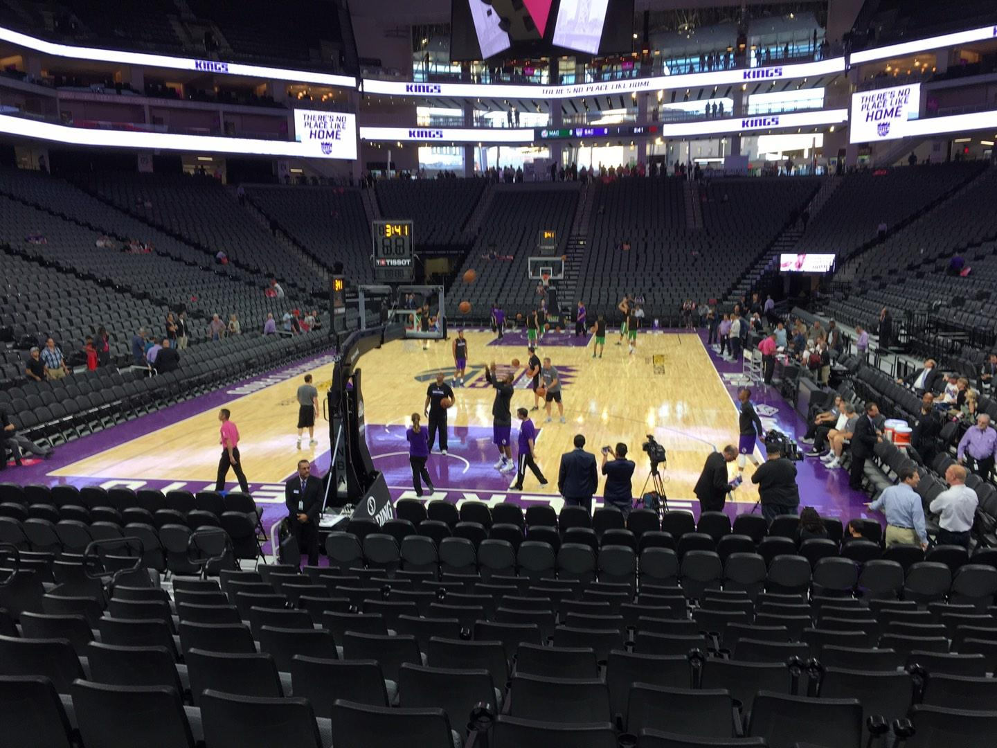 Golden 1 Center Section 113 Row Ff Seat 16