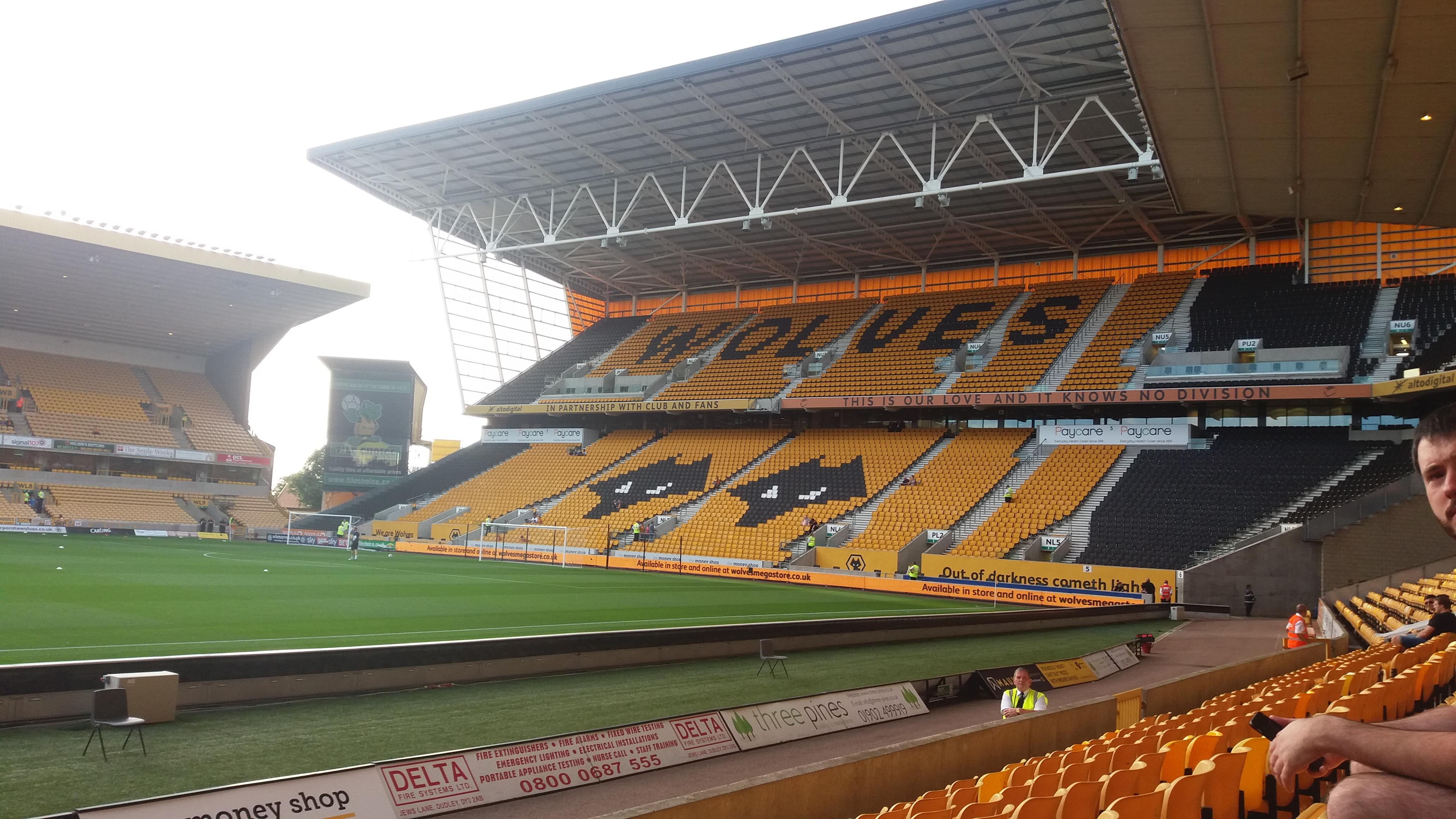 Molineux Stadium Section JL6 Row G Seat 160