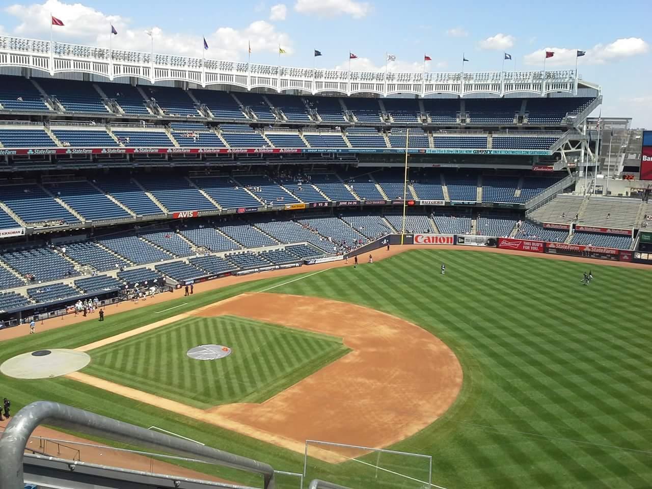 Yankee Stadium Section 324 Row 7 Seat 24