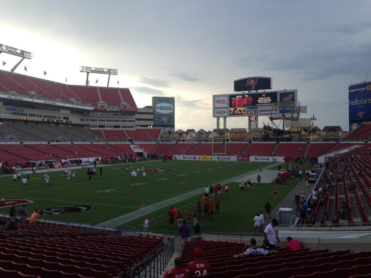 Raymond James Stadium section 127 row Z seat 5 - Tampa Bay ...