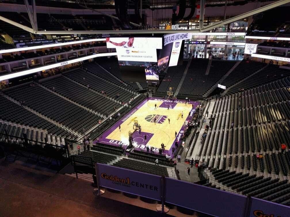 Golden 1 Center Section 210 Row h Seat 10