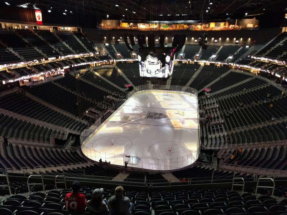 T-Mobile Arena Section 215 Row m Seat 9