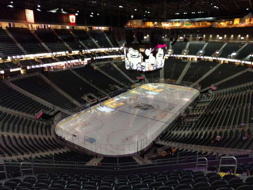 T-Mobile Arena Section 217 Row l Seat 10
