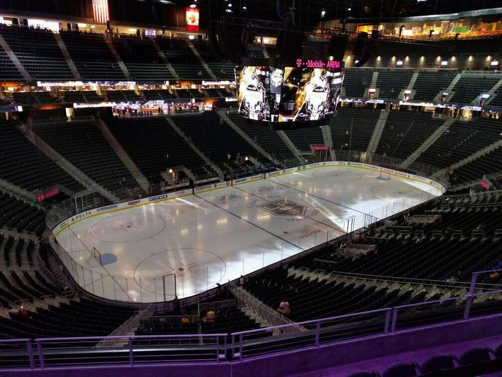 T-Mobile Arena Section 218 Row e Seat 8