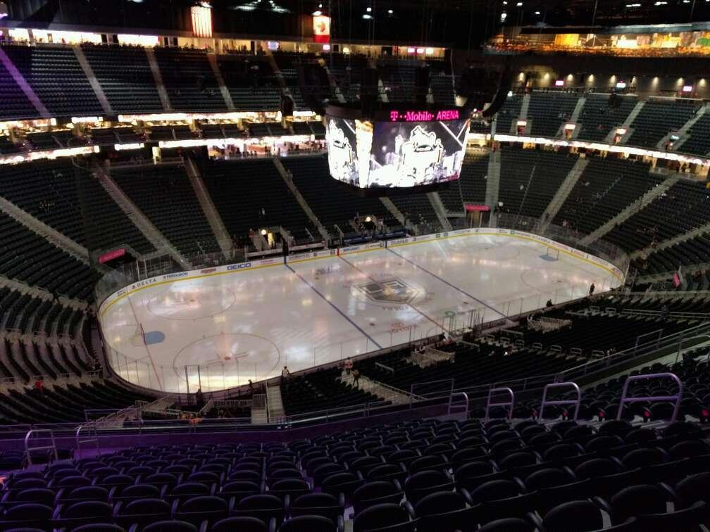 T-Mobile Arena Section 220 Row p Seat 9