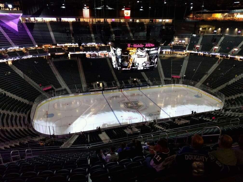 T-Mobile Arena Section 221 Row r Seat 11