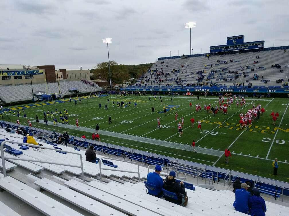 Delaware Stadium Section i Row t Seat 22
