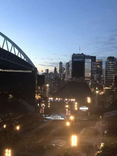 Centurylink Field, section: 318, row: M, seat: 5