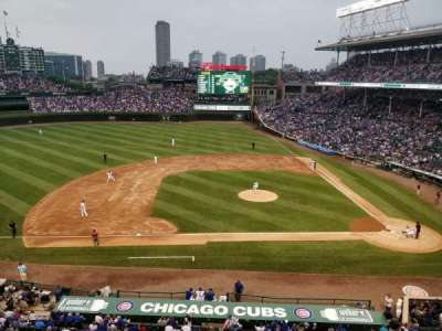 Wrigley Field, section: 413, row: 1, seat: 6