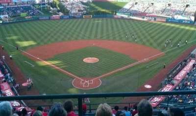 Angel Stadium, sección: 521, fila: A, asiento: 9