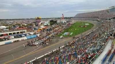 Daytona International Speedway, section: 423, row: 24, seat: 4a