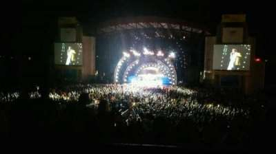 Jones Beach Theater, section: 8L, row: AA, seat: 7
