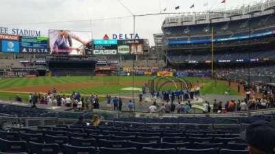 Yankee Stadium, section: 121B, row: 10, seat: 5