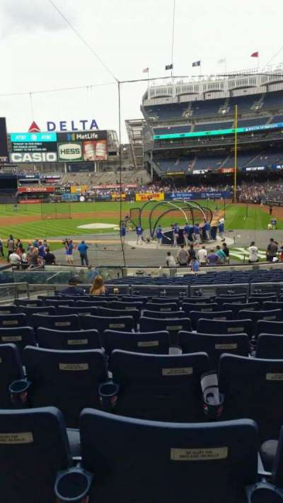 Yankee Stadium, section: 121B, row: 10, seat: 8