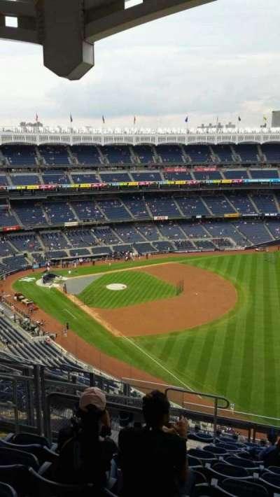Yankee Stadium, section: 409, row: 11, seat: 18