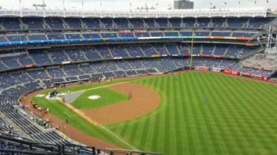 Yankee Stadium, section: 409, row: 11, seat: 19