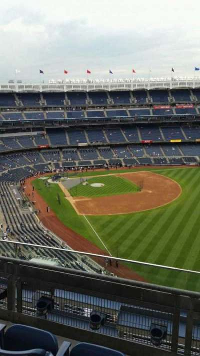 Yankee Stadium, section: 408, row: 3, seat: 2