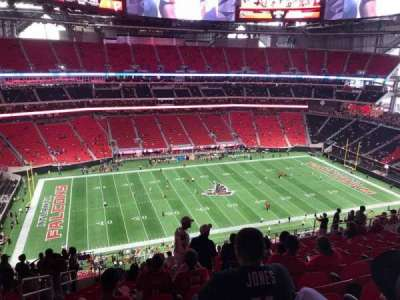 Can be in the shade during a day game at mercedes benz stadium for Hotels close to mercedes benz stadium atlanta ga