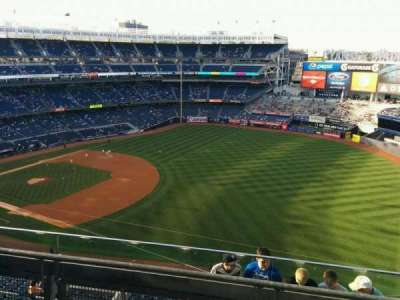 Yankee Stadium, section: 411, row: 3, seat: 2