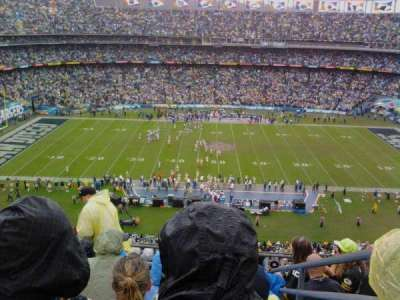 Qualcomm Stadium, section: V6, row: 9