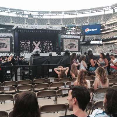 MetLife Stadium, section: 9, row: 37, seat: 39