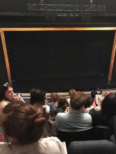 Ambassador Theatre, section: Mezz Center, row: E, seat: 109